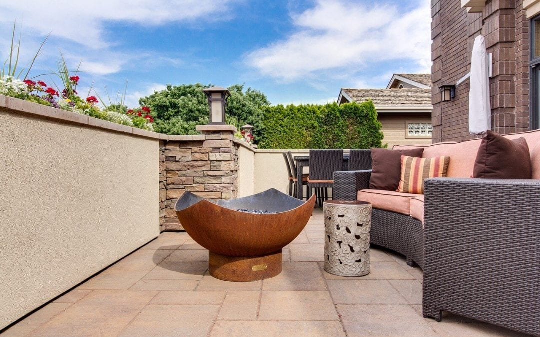 4 Ways to Warm Up Your Outdoor Living Spaces